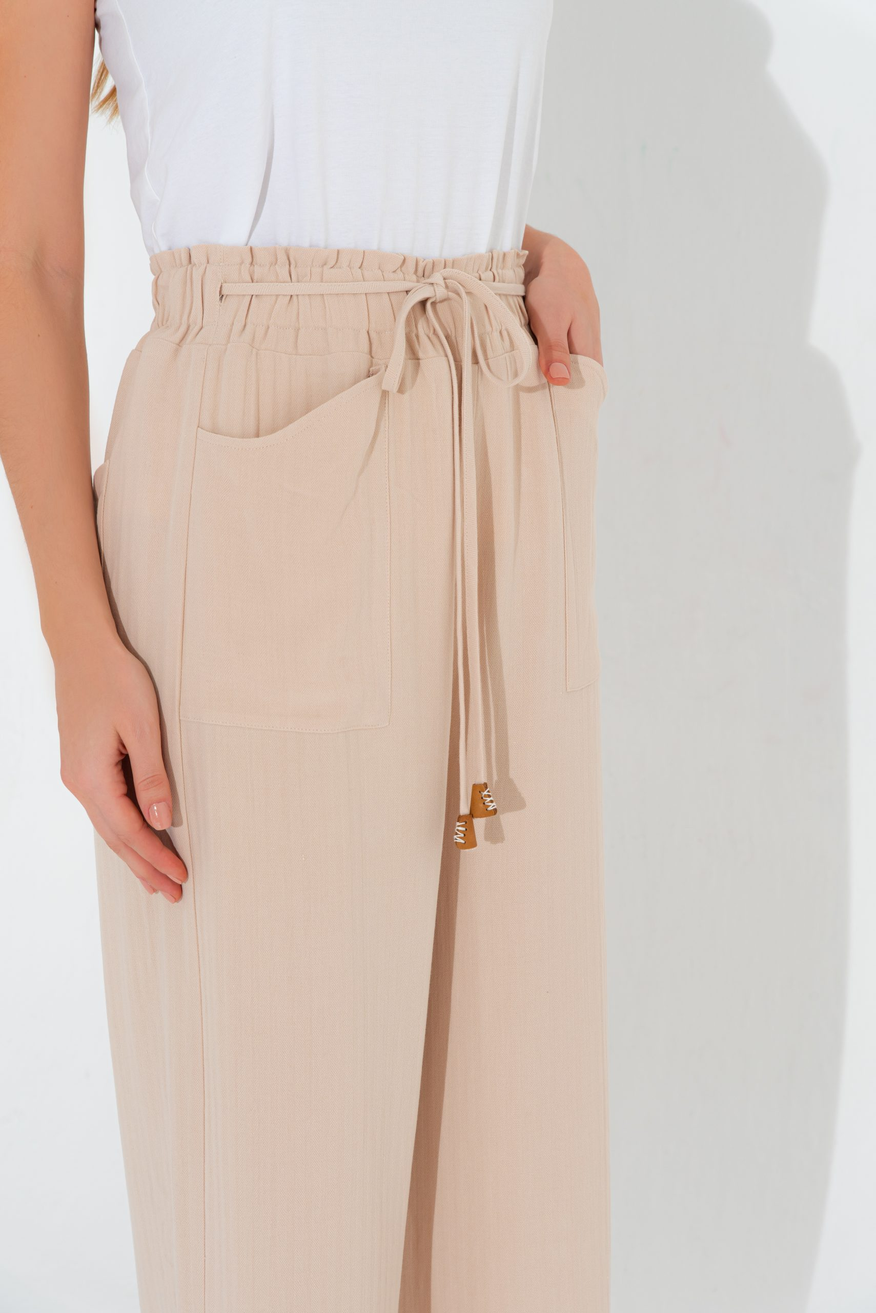Strapped Elastic Trouser